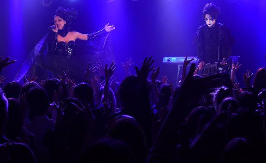 Schwarz Stein  Hora Birthday Live  『UNHOLY』   会場:渋谷REX  開場:18:00  開演:18:30  出演:Schwarz Stein  前売:4,500(税込/Dr代別)  当日:5,500(税込/Dr代別)